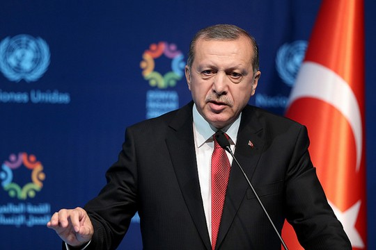 אחרי ההפיכה הצבאית הכושלת, דיכוי הקדמאים רק התגבר. רג'פ טייפ ארדואן (OCHA / Berk Özkan)