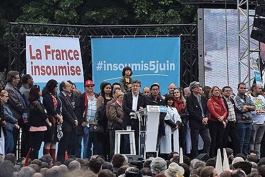 """ז'אן לוק מלנשון, בעצרת של """"צרפת לא-כנועה"""" במהלך הקמפיין לנשיאות 2017 (צילום: Tiraden, ויקימדיה CC BY-SA 4.0)"""