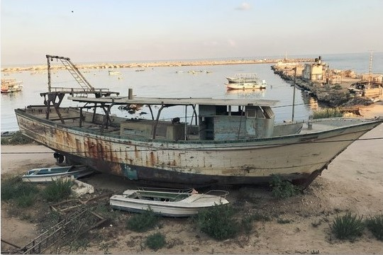סירת דייגים, עזה (בסאם אלמוהור)