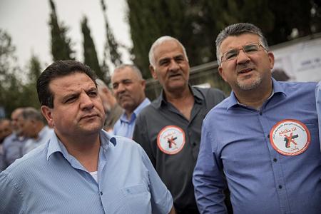 הפגנת ראשי הציבור הערבי המחאה נגד האלימות. רצח יהודי מפענחים, רצח ערבי - לא (צילום: פלאש90/הדס פרוש)