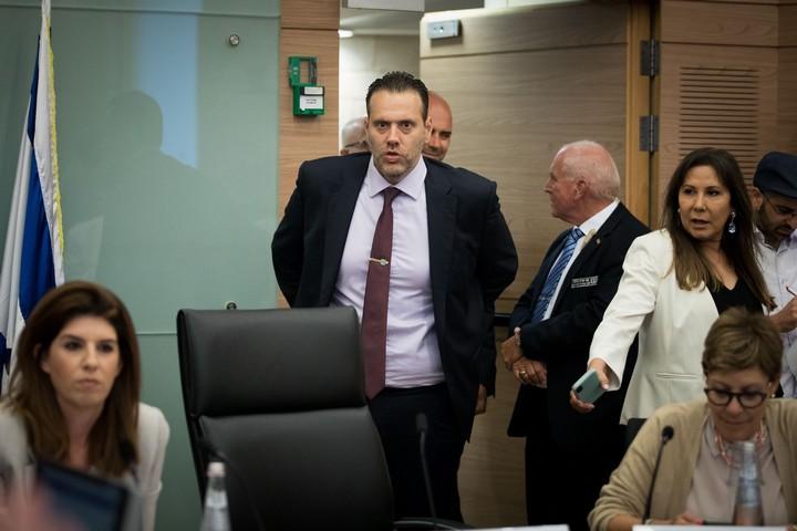 """ח""""כ מיקי זוהר (הליכוד), יו""""ר הוועדה המסדרת בכנסת, בדיון בחוק המצלמות ב-9 בספטמבר, 2019 (צילום: יונתן סינדל / פלאש90)"""