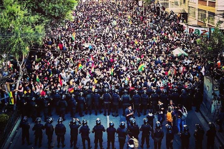 הפגנה בלה פאז נגד תוצאות הבחירות בבוליביה, ב-23 באוקטובר (צילום: Paulo Fabre)