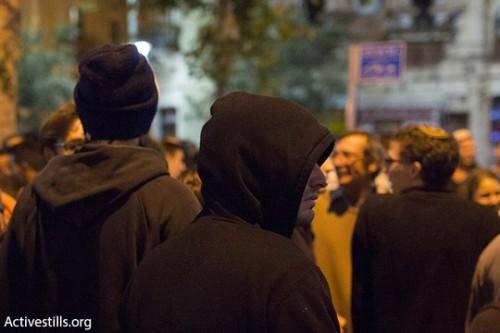הגנה בהפגנה בתל אביב (אקטיבסטילס)