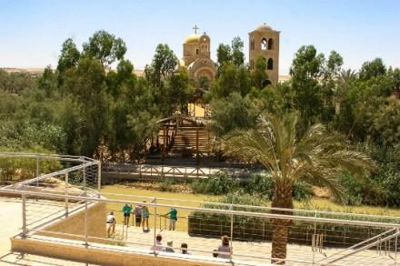 אתר הטבילה לעולים לרגל בירדן (בסאם אלמוהור)
