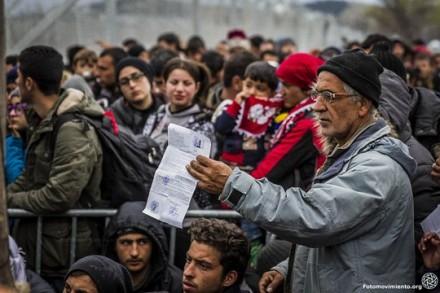 מחנה פליטים ביוון (Fotomovimiento CC BY-NC-ND 2.0)