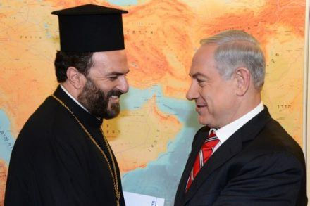הכומר נדאף וחבר. הקרבה למוקדי הכוח במדינה לא עזרה לכומר בתביעת ההשתקה שלו נגד עיתונאים (משה מילנר/פלאש90)