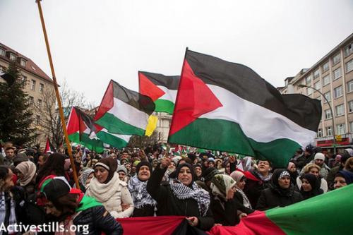 """פקיד ישראלי מאיים על מפגינים בגרמניה: """"אנחנו יודעים מי אתם. תחיו בפחד"""""""