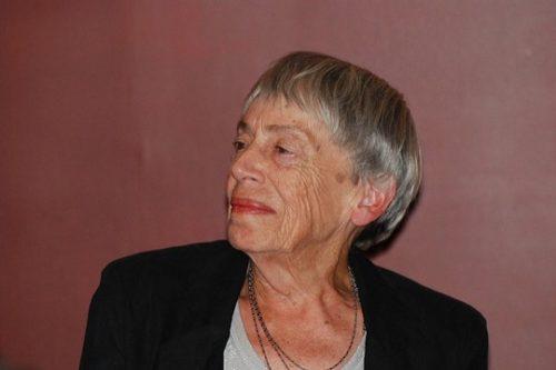 """""""אנו נזדקק לסופרים שיזכרו חירות מהי"""": פרידה מהסופרת אורסולה לה גווין"""
