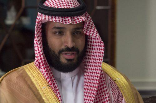 """מוחמד בן סלמן, יורש העצר הסעודי, חביב המערב, האיש שהבטיח לעשות מהפכה בסעודיה, וייתכן עכשיו שהמהפכה הזו תתהפך על ראשו. (צילום: מחלקת ההגנה של ארה""""ב)"""