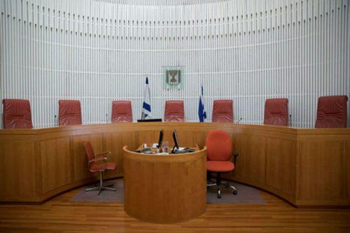 מערכת המשפט מכשירה קולניאליזם ולכן אסור לסמוך עליה