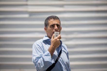 """הקול הכי בולט היום במרצ נגד הכיבוש. ח""""כ מוסי רז בהפגנה של """"נשים עושות שלום"""" באוגוסט 2018 (צילום: יונתן סינדל / פלאש 90)"""