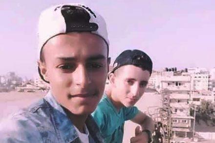 הצילום האחרון. לואיי כחיל ואמיר א-נימרה בצילום סלפי רגע לפני פגיעת הטיל שהרג אותם (צילום: באדיבות המשפחות)