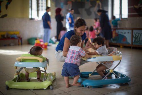 התעלמות המדינה מהגיל הרך פוגעת בנשים ובילדים המוחלשים ביותר