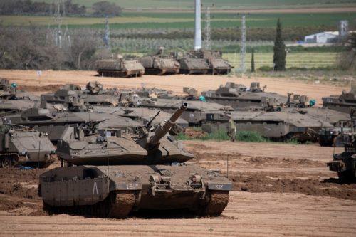 כוחות צבא כבדים על גבול עזה (אורן זיו)
