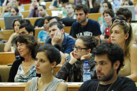 הרווח של סטודנט ממוצע מהאקדמיה עולה פי 23 מהסכום שהשקיע בלימודים. סטודנטים בשיעור באוניברסיטת תל אביב (צילום: תומר נויברג / פלאש 90)