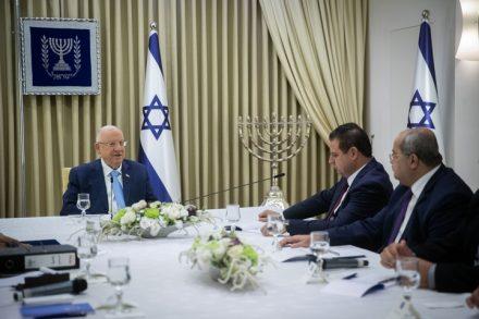 ראשי הרשימה המשותפת נפגשים עם הנשיא ראובן ריבלין בירושלים, לצורך המלצה על בני גנץ לראשות הממשלה (צילום: יונתן זינדל / פלאש90)